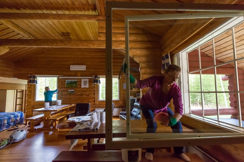 Ikkunat puhtaaksi kesävieraita varten
